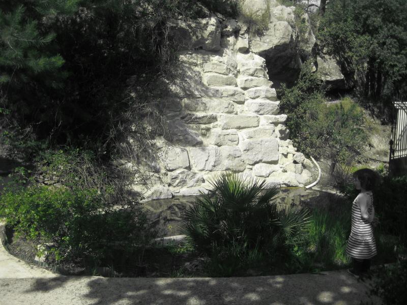 Stone Well / Puits en Pierre