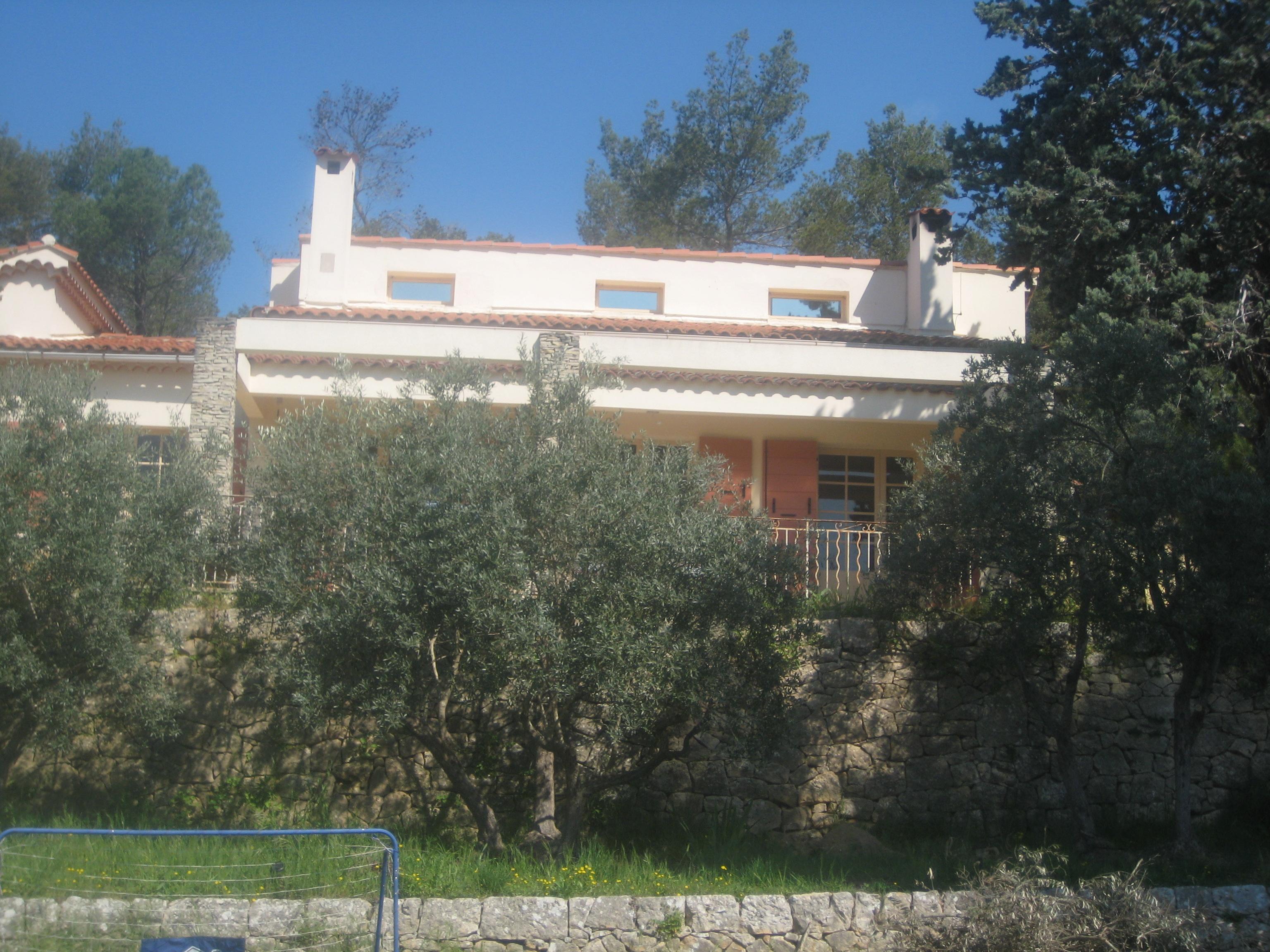 Exterior of the House / Exterieur de la Maison